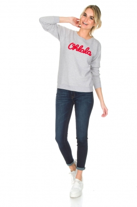 French Disorder | Luxe sweater Ohlala | lichtgrijs
