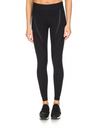Nunu |  Sport leggings Funky V | Black