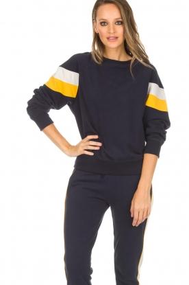 Juvia | Sweatshirt Marly | blauw