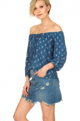 BEACHGOLD | Off-shoulder top Maisey | blauw