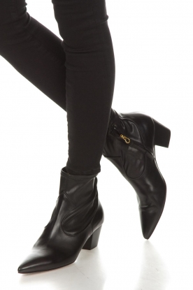 L'Autre Chose |  Leather ankle boots Liz | black