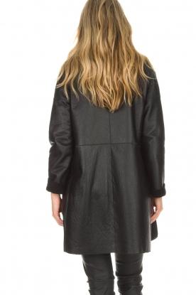 Arma | Omkeerbare lammy coat Dewi | zwart