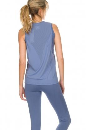 Varley | Zachte sporttop met laag uitgesneden armsgaten Kennedy | blauw
