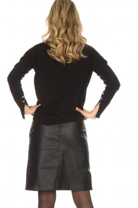 Knit-ted | Imitatieleren rok Aukje | zwart