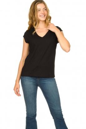 CC Heart | Katoenmix v-hals t-shirt Vera | zwart