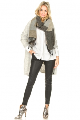 Look Cardigan with striking buttons Beyla