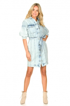 Look Denim dress with tie belt Rania