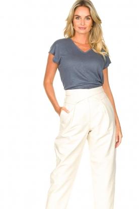 Blaumax |  Linen v-necked T-shirt Fine | blauw