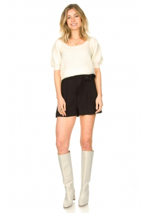 Look Knitted top with puff sleeves Diva