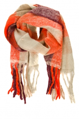 Moment by Moment | Gebreide sjaal Miranda | oranje